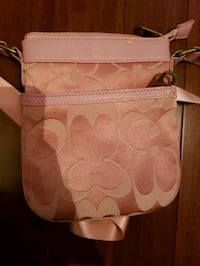 Guess purse  Fort Erie, L2A 2N1