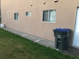 Basement Suite 2BR 1BA close to bus and 2k from Skytrain
