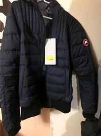 black zip-up bubble jacket Vancouver, V5K 1Z2