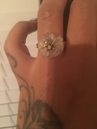 14K Frosted Flower ring with genuine diamond. Chesapeake, 23323