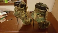 pair of green-and-brown camouflage boots Converse, 78109