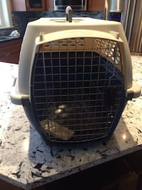 White and black pet carrier Chilliwack, V2R 0A8
