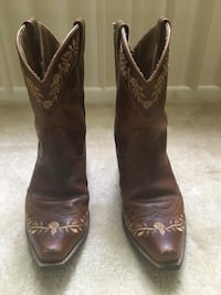 Ariat Western Boots Size 4 Kids or Size 6 Women's Mc Lean, 22102