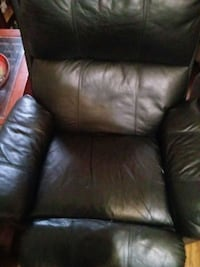 black leather padded sofa chair Chicago, 60651