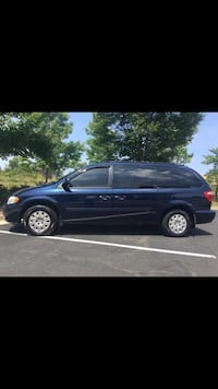 Chrysler - Town and Country - 2005 Broadlands, 20148