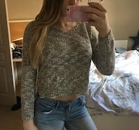Crop sweater (great condition) Calgary, T3H