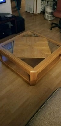 Solid oak coffee table. Made in the USA. Jefferson, 97352