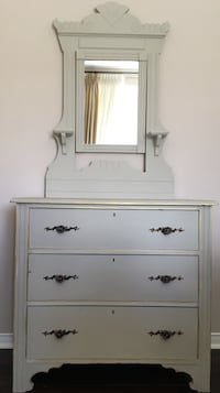 Antique grey wooden chest hand painted for the modern touch! Richmond Hill, L4C 0R9