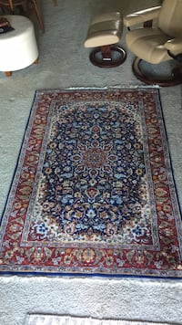 Like new blue and red 5 x 8 area rug Saint Petersburg, 33704