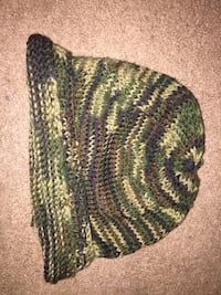 green and black camouflage knit cap Northwood, 03261
