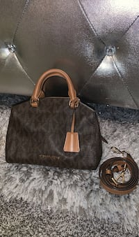 Tiny Michael Kors Bag Bay Shore, 11706