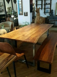"Table en acacia 71"" Mont-Royal, H3P 2B9"