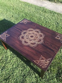 Hand carved coffee table Frederick, 21701