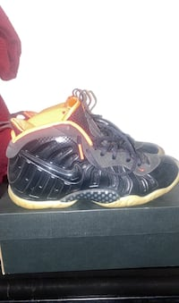 """Yeezy"" Foamposites (Boys size 7) York, 17402"