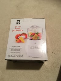 700 mL white mini chop food processor Toronto, M3C 4J1