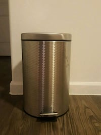 Stainless steel trash can( New) Austin, 78753