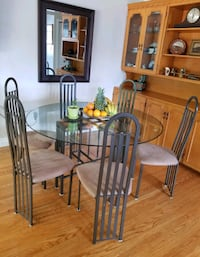 DINING TABLE W SIX CHAIRS Kitchener, N2E 1C9