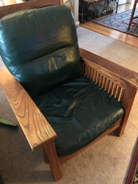 Mission Oak and leather chair. Good used condition. Location is in Eugene Eugene, 97401