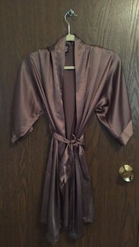 Great condition like new Women's Victoria's Secret champagne robe Omaha, 68154