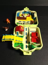 1997 Nintendo Pokemon Play House Poke-center Brampton