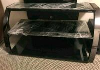 TV stand Coquitlam, V3B 6A2