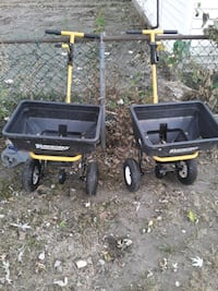 2 YARD WORKS  SPREADERS FOR SALE!!!EXCELLENT CONDITION!!! Indianapolis, 46221