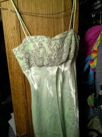 women's green and white floral dress Lancaster, 93535