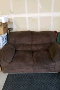2 seater couch brown Fountain, 80817