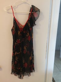 women's black and red floral spaghetti strap dress Montréal, H1S 2A9