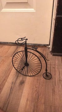 Black and brown bicycle decoration 252 mi