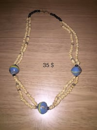 Gold-colored necklace with blue gemstones Baltimore, 21236