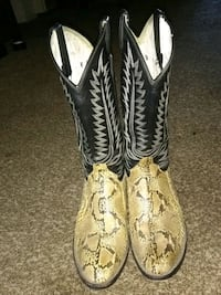 pair of brown-and-black leather cowboy boots Bethel Island, 94511