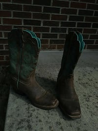 pair of brown-and-blue cowboy boots Bristol, 24201