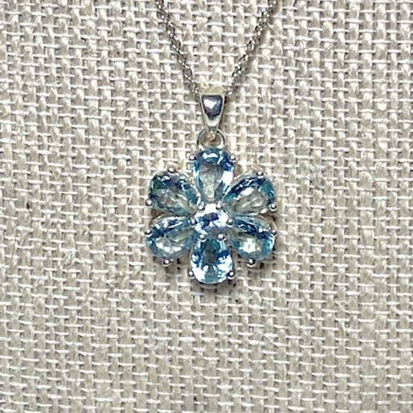 Vintage Sterling Silver Aquamarine Pendant with Tiffany & Co Chain 69837f9b-2af3-4c99-9d1c-a2a366ea5921