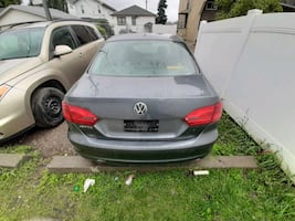I am selling my 2011 Volkswagen jetta with 119000 km