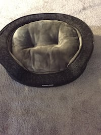 Small Dog bed   Wasaga Beach, L9Z 1S8