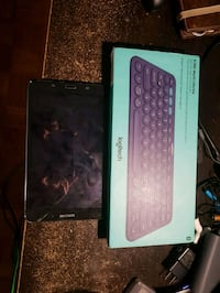 Samsung Galaxy Tab 4,bluetooth logitech keyboard and charger  Kitchener, N2E 1A6