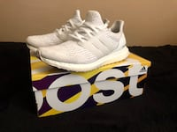Pair of white adidas ultra boost with box 507 mi