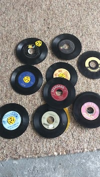 20 old 45 records Green Oaks, 60048