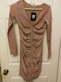 Women's shimmer long-sleeved dress ! Oakville, L6H 4V1