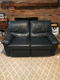 Leather pull out couch and reclining love seat Deer Park, 45236