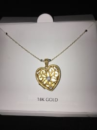 18k gold picture necklace Honolulu, 96814