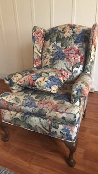 White, blue, and red floral sofa chair Bakersfield, 93301