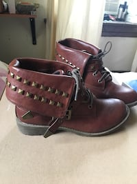 Brown Studded Boots- Size 8 Toronto, M6G 1B4