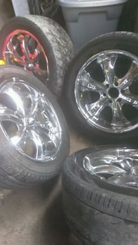 Motto 20' tires Houston, 77061