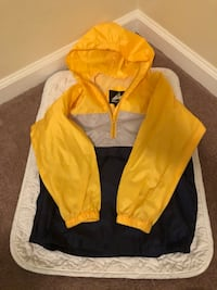 Boys size 6/7 rain jacket  Columbus, 31905