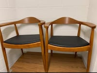 2 Wood Arm chairs - mid century style - Maple color 43 km