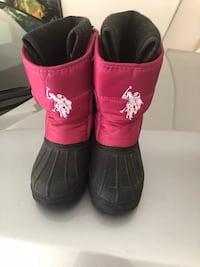 U.S. POLO ASSN. snow boots for girls Size 12.