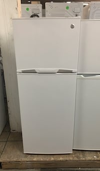 "Amazing 24"" GE TOP FREEZER FRIDGE  Toronto, M6H 4C8"