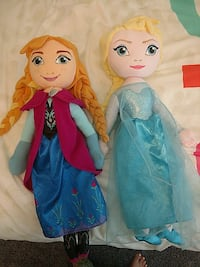 Both Frozen dolls